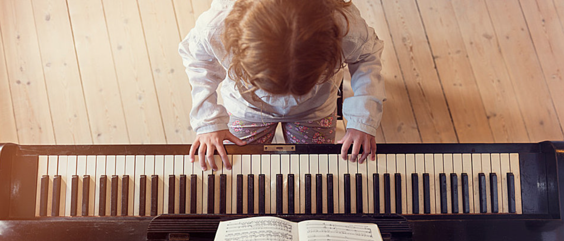 feely-piano-session-child
