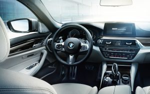 BMW builds the luxury class